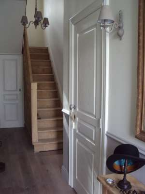 Fijn stralen van hout steen metaal - Renovatie van een houten trap ...